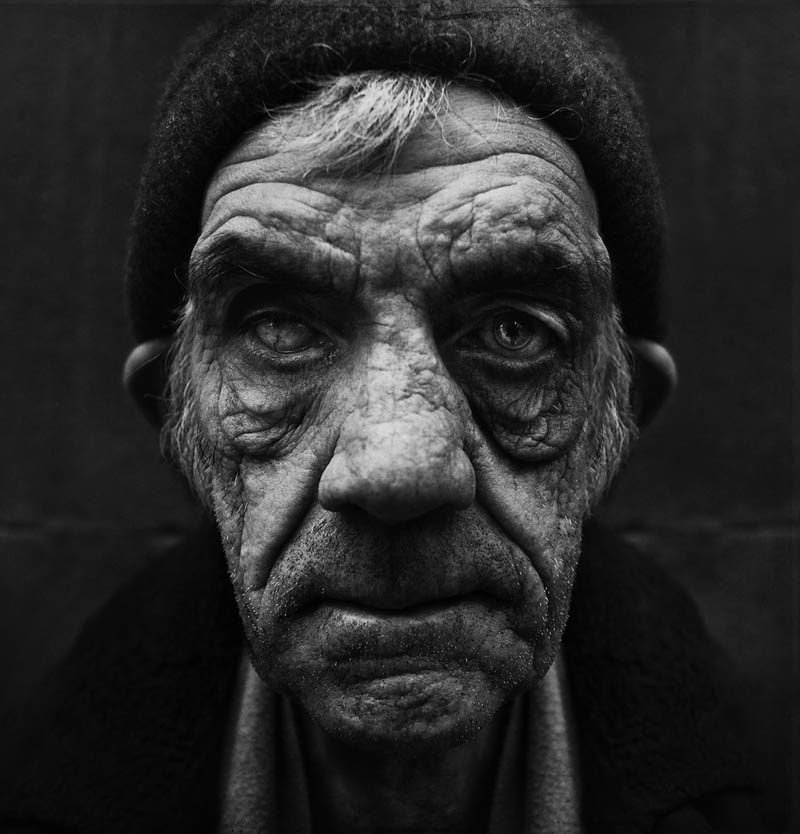 homeless-black-and-white-portraits-lee-jeffries-27